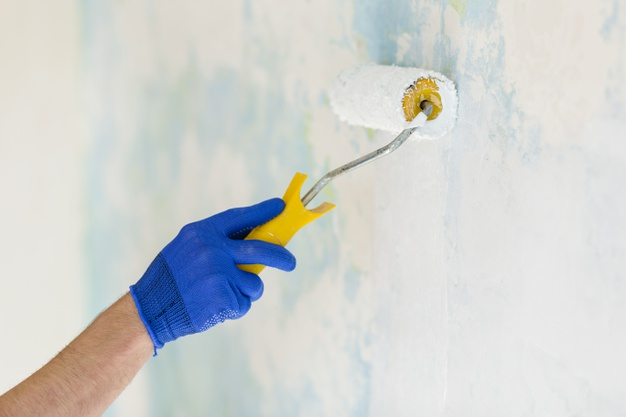 Quels sont les points à vérifier avant de repeindre les murs de sa maison?